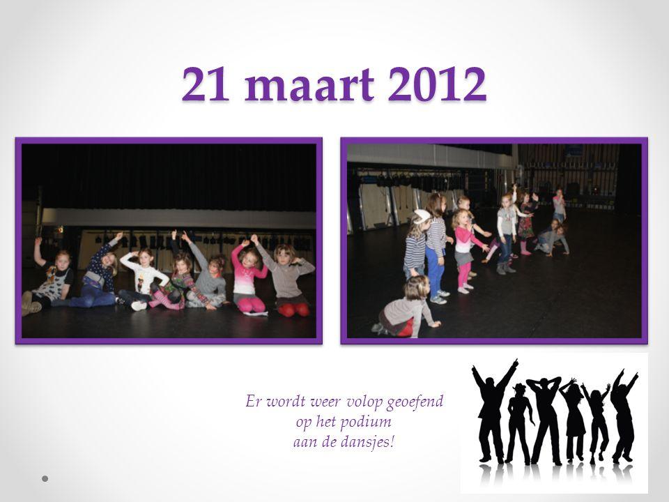 14 maart 2012 Verschillende rollen worden doorgenomen en er wordt gedanst op 'ai se eu te pego' (Nossa)!