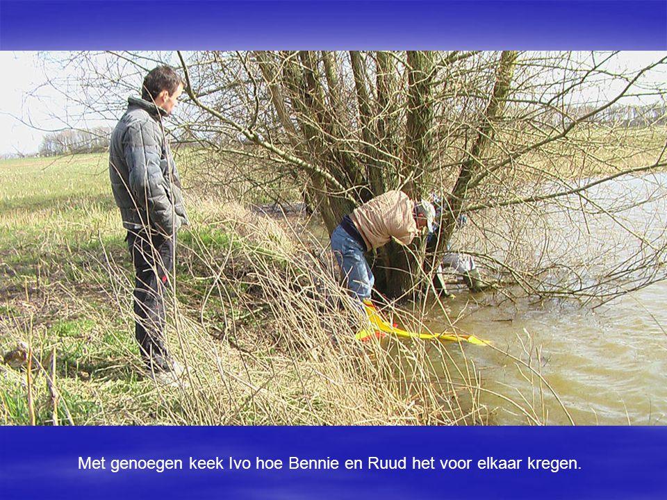 Met genoegen keek Ivo hoe Bennie en Ruud het voor elkaar kregen.