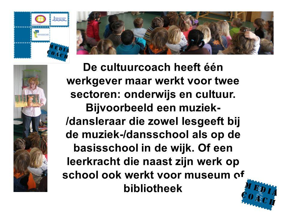 De cultuurcoach heeft één werkgever maar werkt voor twee sectoren: onderwijs en cultuur.