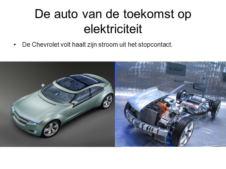 De auto van de toekomst op elektriciteit De Chevrolet volt haalt zijn stroom uit het stopcontact.