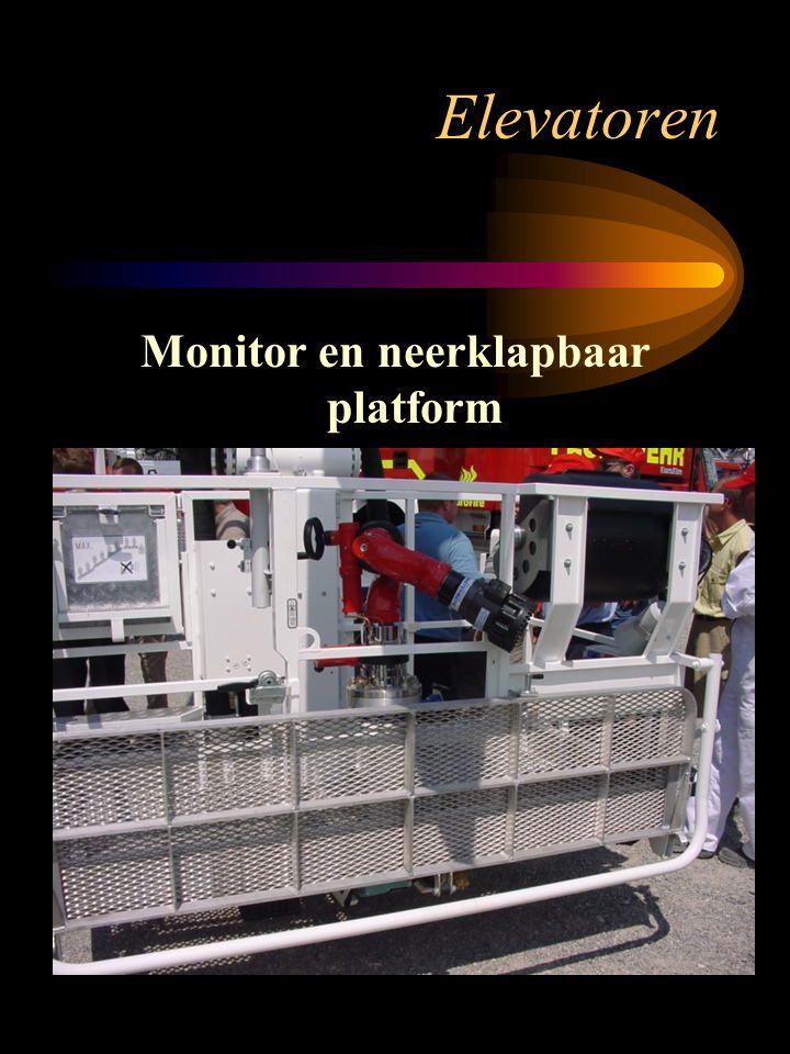 Elevatoren Monitor en neerklapbaar platform