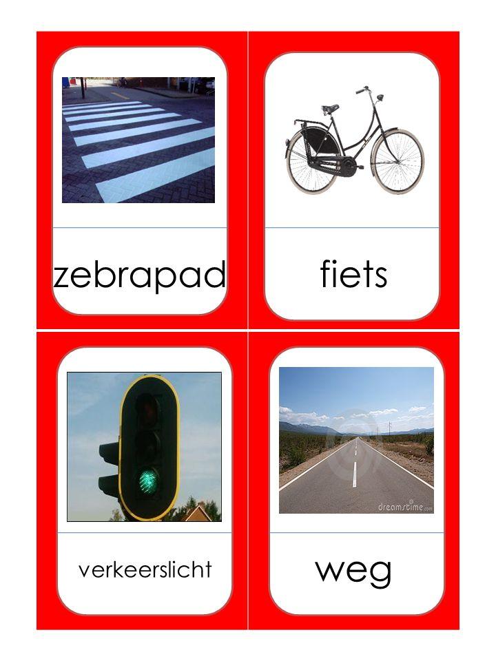 zadeltrapper Auto-araba Vliegtuig-uçak Politie-polis Brug-köprü Zebrapad-yaya geçidi Fiets-bisiklet Verkeerslicht-trafik ışığı Weg-yol Verkeersborden-trafik levhaları Parkeerplaats-park yeri Bus-otobüs Trein-tren Scooter-mobilet Slagboom-bariyer Rails-ray Helikopter-helikopter Tractor-traktör Tanken-doldurmak(benzin) Oversteken- kar şıdan kar şıya geçmek Rotonde- döner kavşak Bushalte-otobüs durağı Botsing-çarpışma Motor-motosiklet Station-istasyon Parkeren-park etmek Stoep-kaldırım Rand-kenar Lopen-yürümek Straat-sokak Voetganger- yaya Rkruispunt-kavşak Fietspad-bisiklet yolu Treinkaartje-tren karti(bileti)