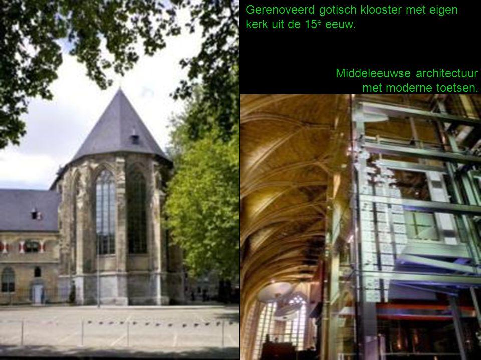 Gerenoveerd gotisch klooster met eigen kerk uit de 15 e eeuw.