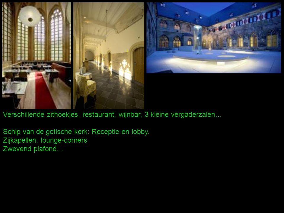 Verschillende zithoekjes, restaurant, wijnbar, 3 kleine vergaderzalen… Schip van de gotische kerk: Receptie en lobby.