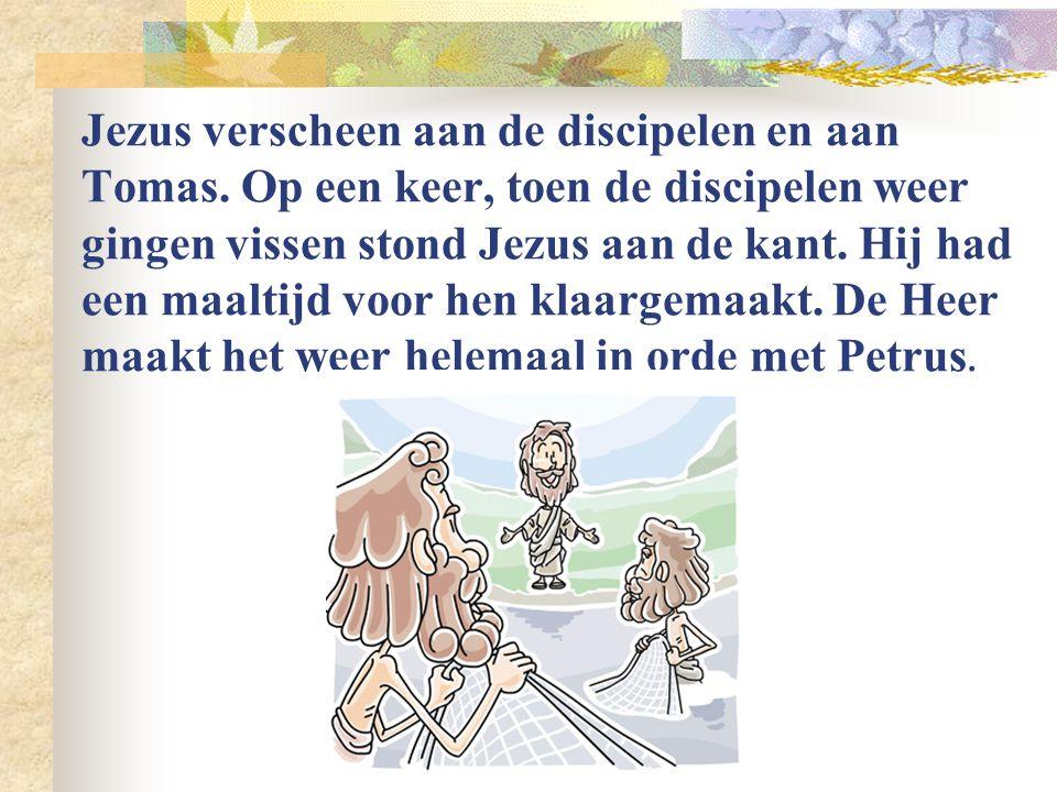 Onderweg naar Emmaüs liep er een man met twee discipelen mee. Het was Jezus. Hij legde hen uit wat er allemaal in de Bijbel stond geschreven over hem.