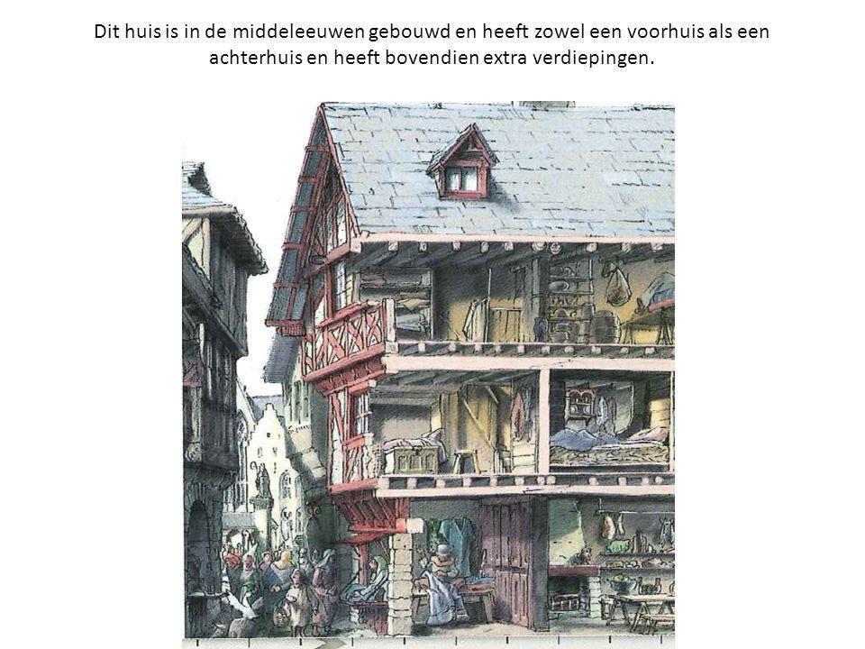 Dit huis is in de middeleeuwen gebouwd en heeft zowel een voorhuis als een achterhuis en heeft bovendien extra verdiepingen.