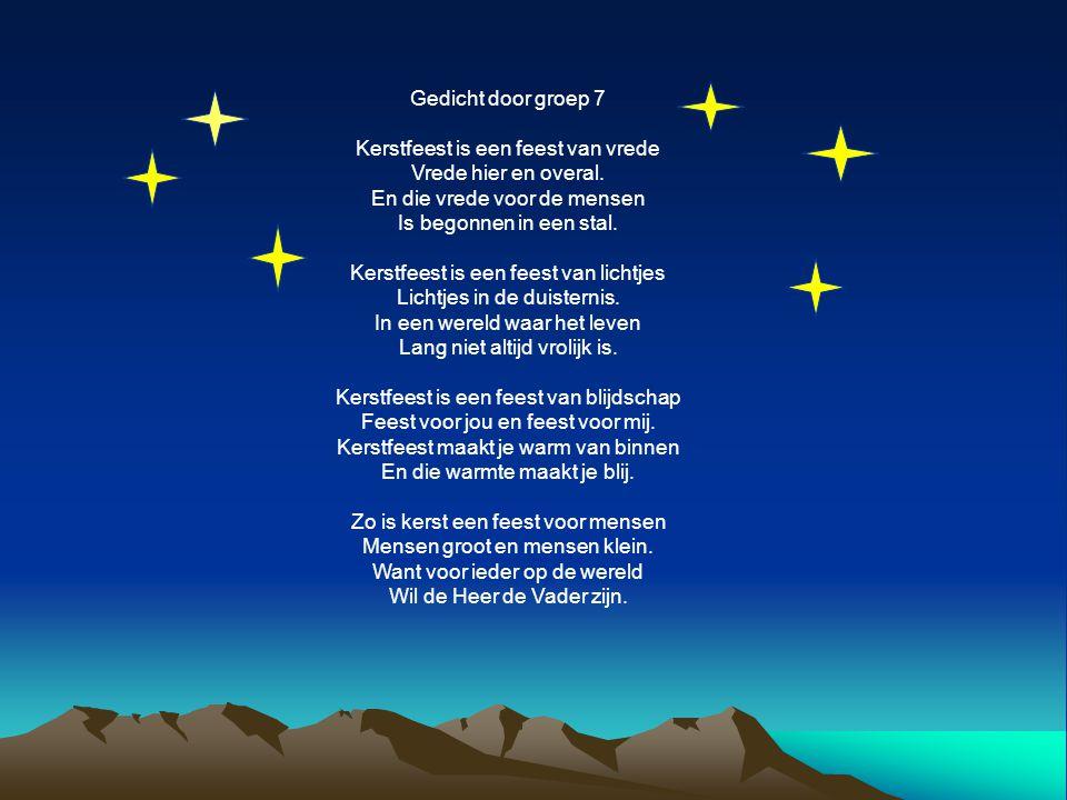 Gedicht door groep 7 Kerstfeest is een feest van vrede Vrede hier en overal. En die vrede voor de mensen Is begonnen in een stal. Kerstfeest is een fe