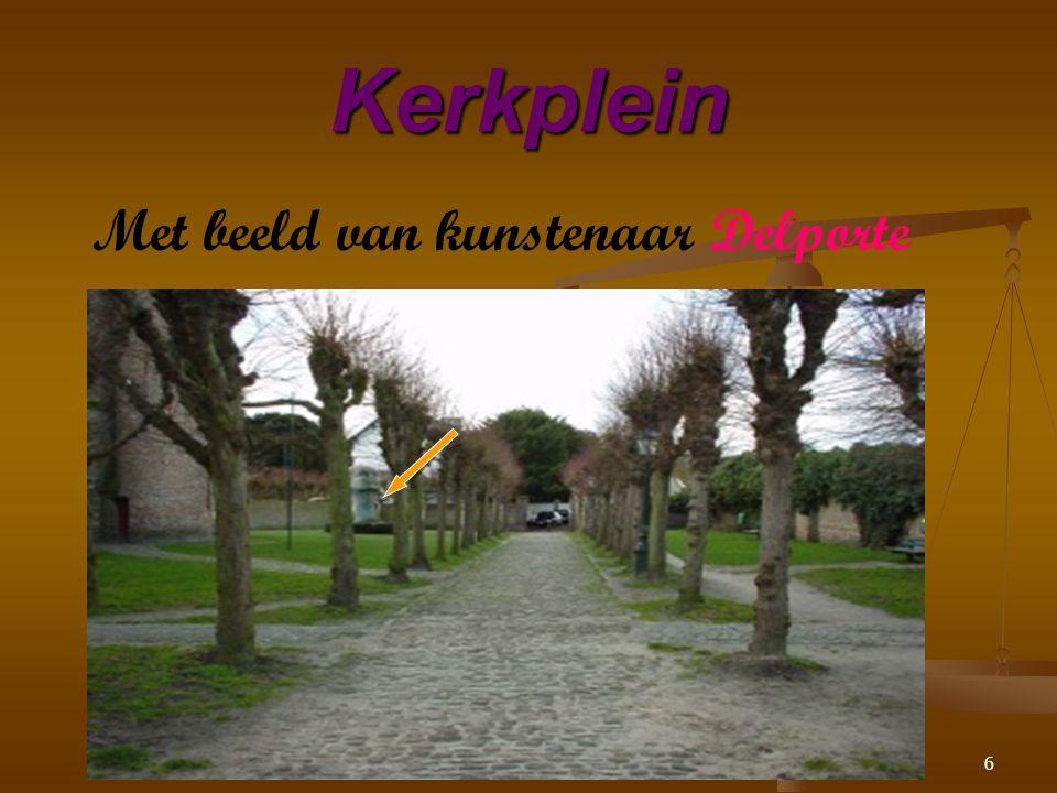 6 Met beeld van kunstenaar Delporte Kerkplein