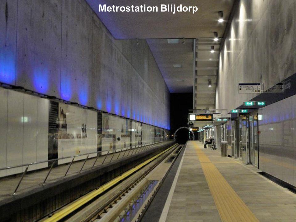 Het station ligt op een diepte van 18 meter onder straatniveau van de Statenweg en wordt hiermee het diepst gelegen metrostation in Rotterdam. Op 16 a