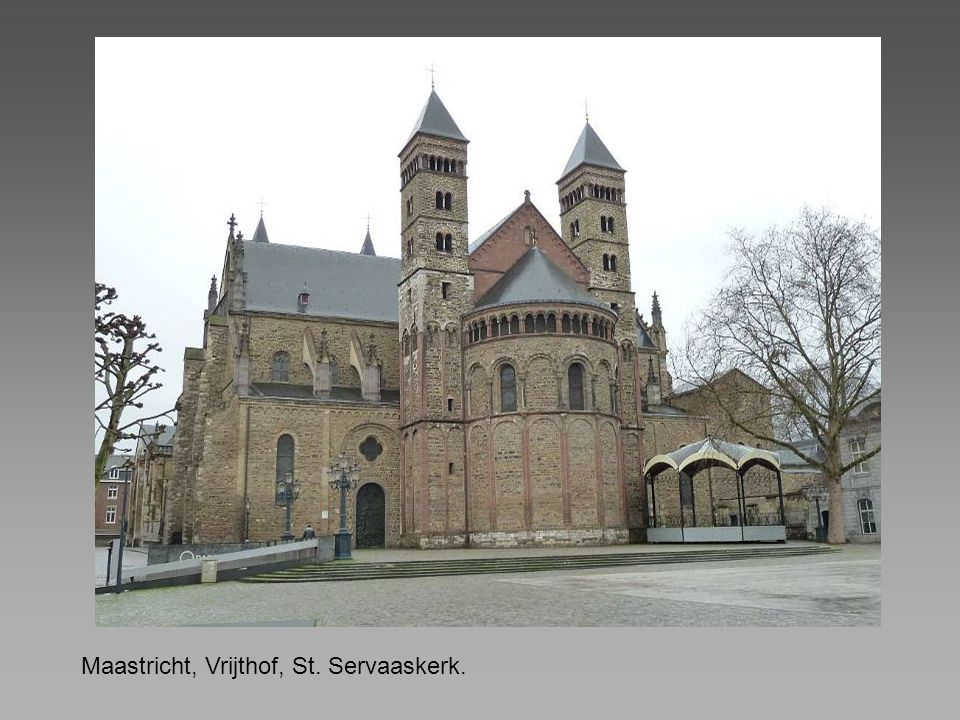 Maastricht, Vrijthof, St. Servaaskerk.