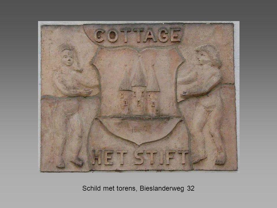 Schild met torens, Bieslanderweg 32
