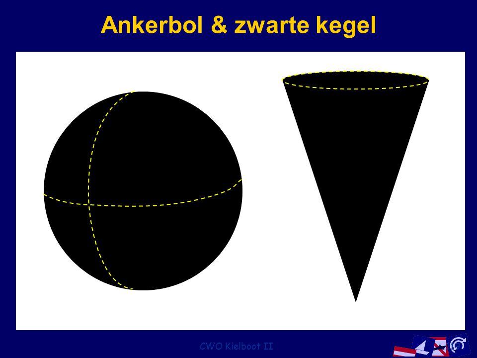 CWO Kielboot II119 Ankerbol & zwarte kegel