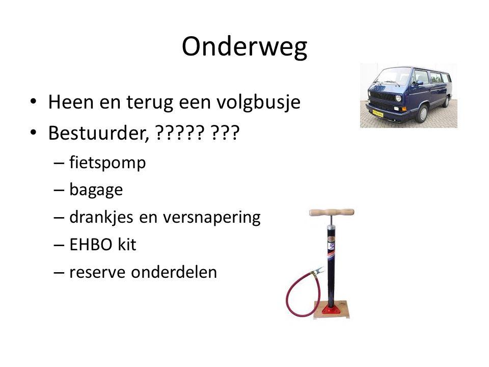 Onderweg Heen en terug een volgbusje Bestuurder, ????.