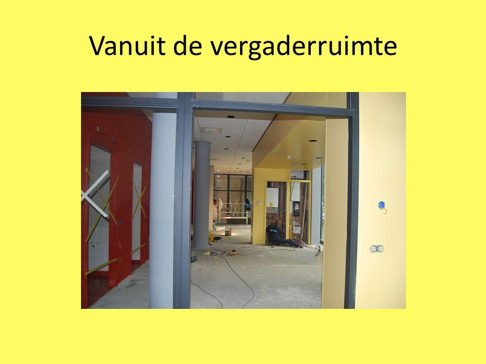 Ruimtes Entree met balie Vergaderruimte Beheerdersruimte/instructieruimte Kantoorruimte Keuken Aangepast toilet Regulier toilet