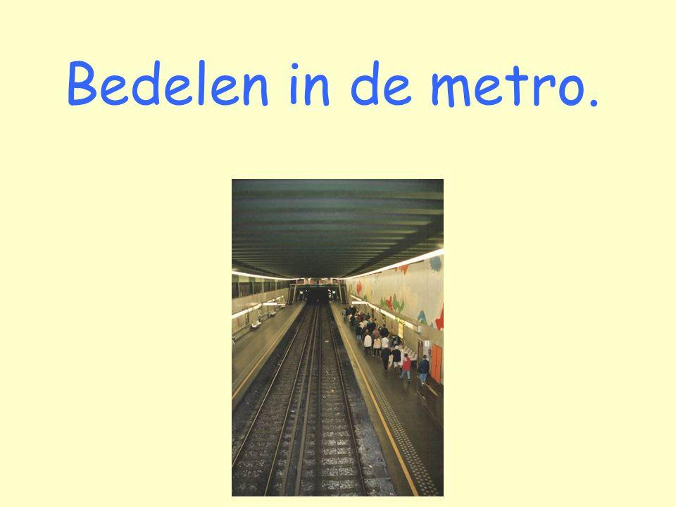 Bedelen in de metro.