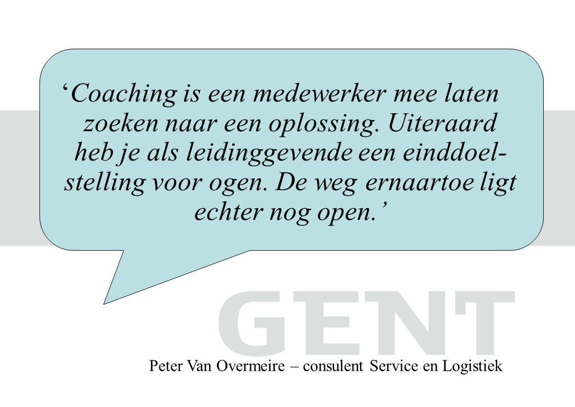 'Coaching is een medewerker mee laten zoeken naar een oplossing.