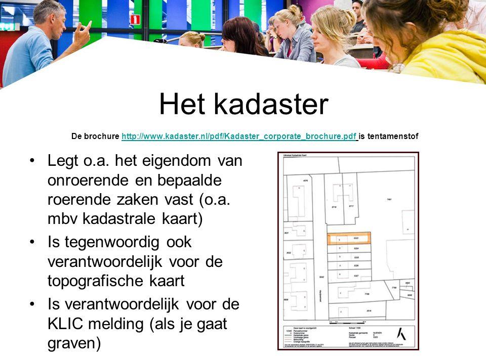 Topografische kaarten Zie ook link http://www.tudelft.nl/live/pagina.jsp?id=d11f4b18- 63dc-46cc-a71e-14741f67928f&lang=nl met voorbeelden http://www.tudelft.nl/live/pagina.jsp?id=d11f4b18- 63dc-46cc-a71e-14741f67928f&lang=nl Het kadaster is verantwoordelijk voor de topografische kaarten http://kadaster.gisinternet.nl/ http://kadaster.gisinternet.nl/ De kaarten, zoals boven weergegeven, hebben de volgende schalen: 1: 10.000, 1: 25.000 en 1: 50.000 De Grootschalige BasisKaart Nederland, kortweg GBKN, is de meest gedetailleerde digitale topografische kaart http://www.gbkn.nl/nieuwesite/basiskaartonline/start.html http://www.gbkn.nl/nieuwesite/basiskaartonline/start.html