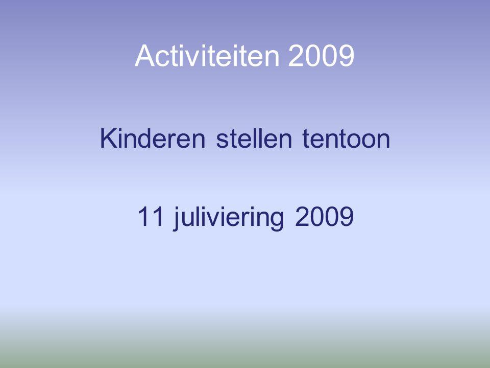 Activiteiten 2009 Kinderen stellen tentoon 11 juliviering 2009