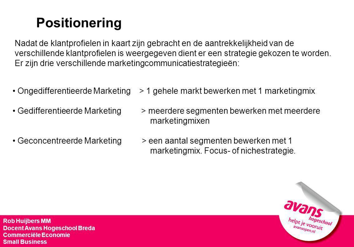 Ongedifferentieerde Marketing > 1 gehele markt bewerken met 1 marketingmix Gedifferentieerde Marketing > meerdere segmenten bewerken met meerdere mark