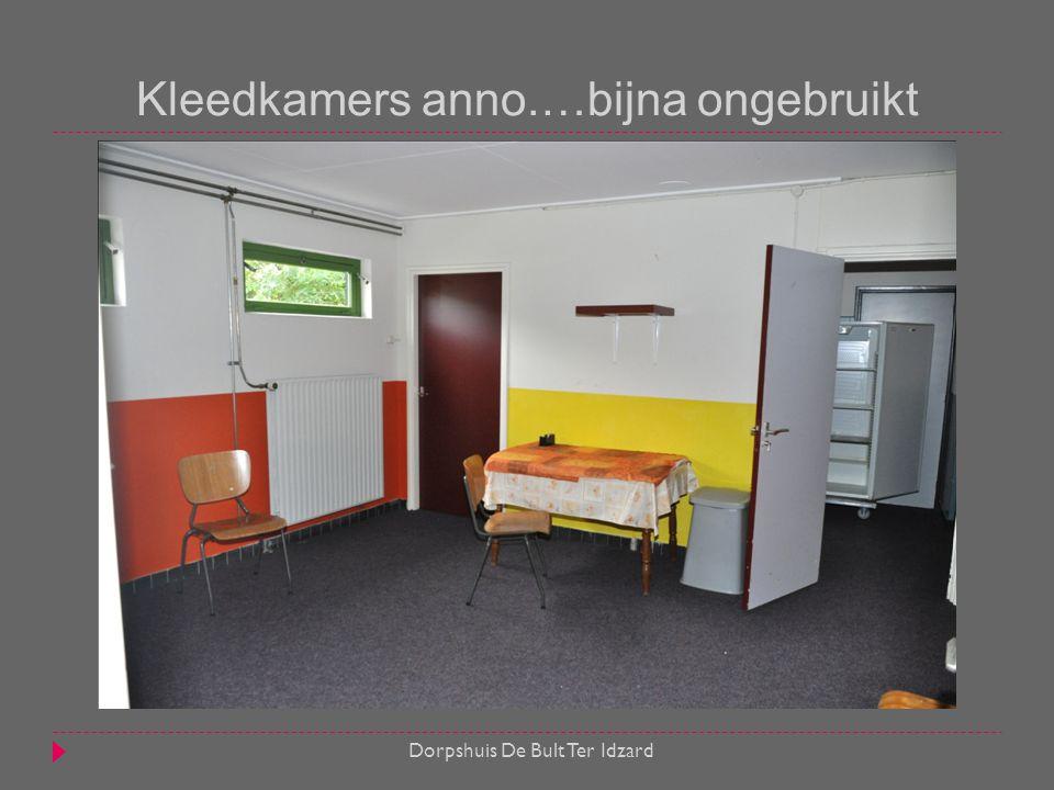 Kleedkamers anno.…bijna ongebruikt Dorpshuis De Bult Ter Idzard
