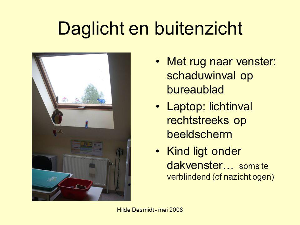 Hilde Desmidt - mei 2008 Daglicht en buitenzicht Met rug naar venster: schaduwinval op bureaublad Laptop: lichtinval rechtstreeks op beeldscherm Kind