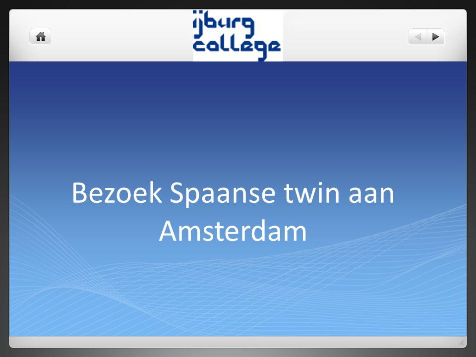Bezoek Spaanse twin aan Amsterdam