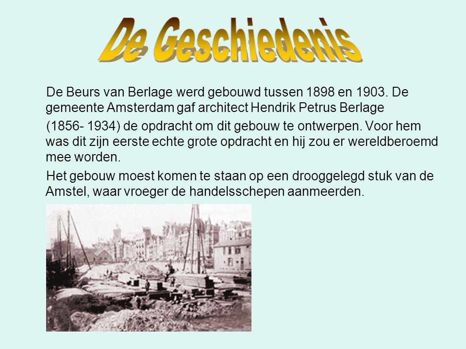 De Beurs van Berlage werd gebouwd tussen 1898 en 1903. De gemeente Amsterdam gaf architect Hendrik Petrus Berlage (1856- 1934) de opdracht om dit gebo