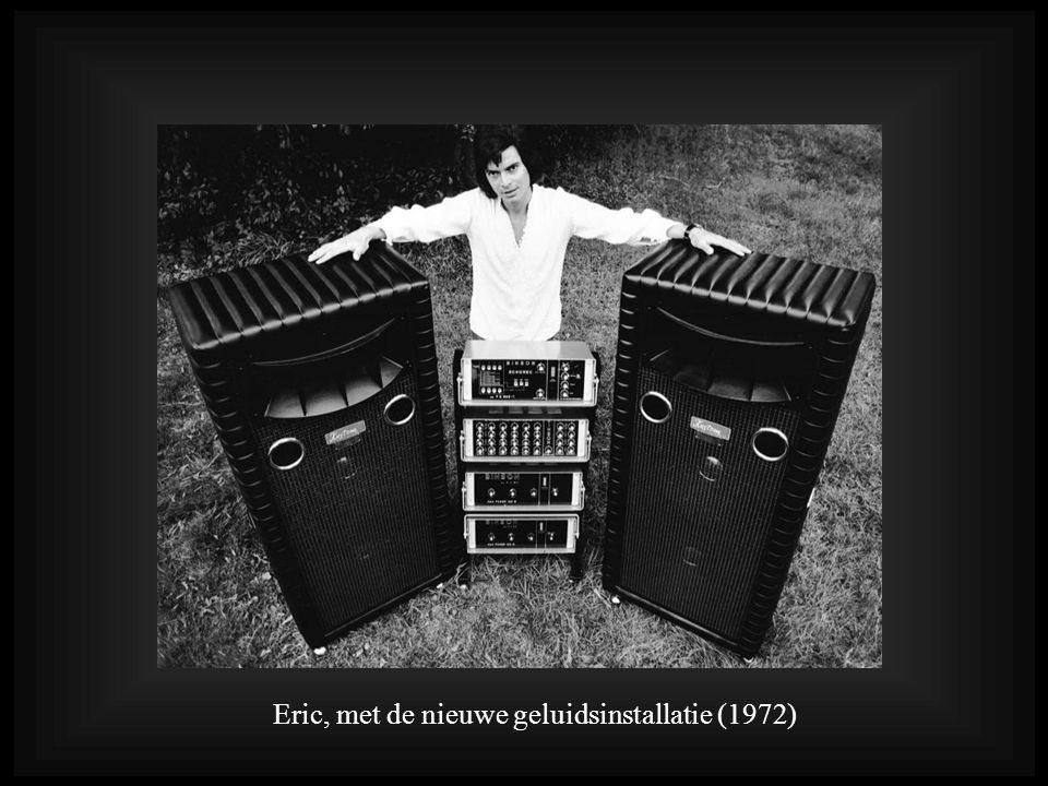 Eric, met de nieuwe geluidsinstallatie (1972)