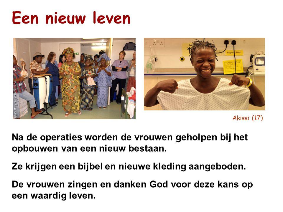 Een nieuw leven Akissi (17) Na de operaties worden de vrouwen geholpen bij het opbouwen van een nieuw bestaan. Ze krijgen een bijbel en nieuwe kleding