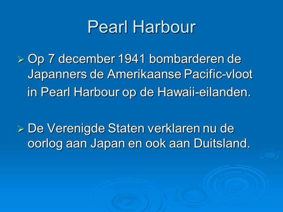 Pearl Harbour  Op 7 december 1941 bombarderen de Japanners de Amerikaanse Pacific-vloot in Pearl Harbour op de Hawaii-eilanden. in Pearl Harbour op d