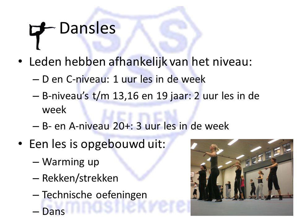 Dansles Leden hebben afhankelijk van het niveau: – D en C-niveau: 1 uur les in de week – B-niveau's t/m 13,16 en 19 jaar: 2 uur les in de week – B- en A-niveau 20+: 3 uur les in de week Een les is opgebouwd uit: – Warming up – Rekken/strekken – Technische oefeningen – Dans