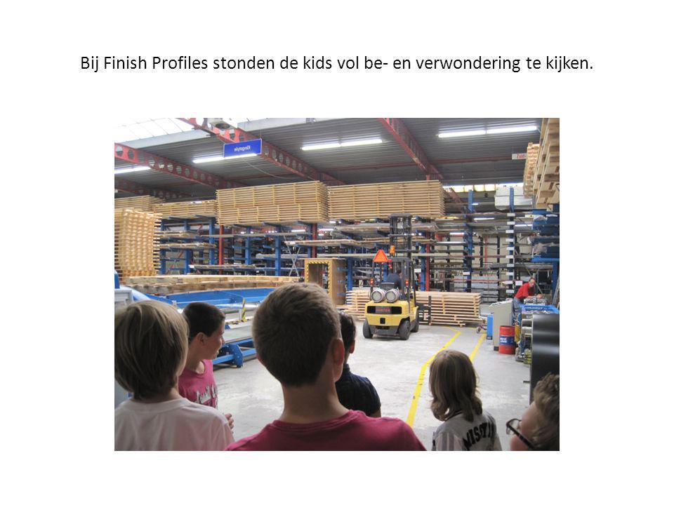 Bij Finish Profiles stonden de kids vol be- en verwondering te kijken.