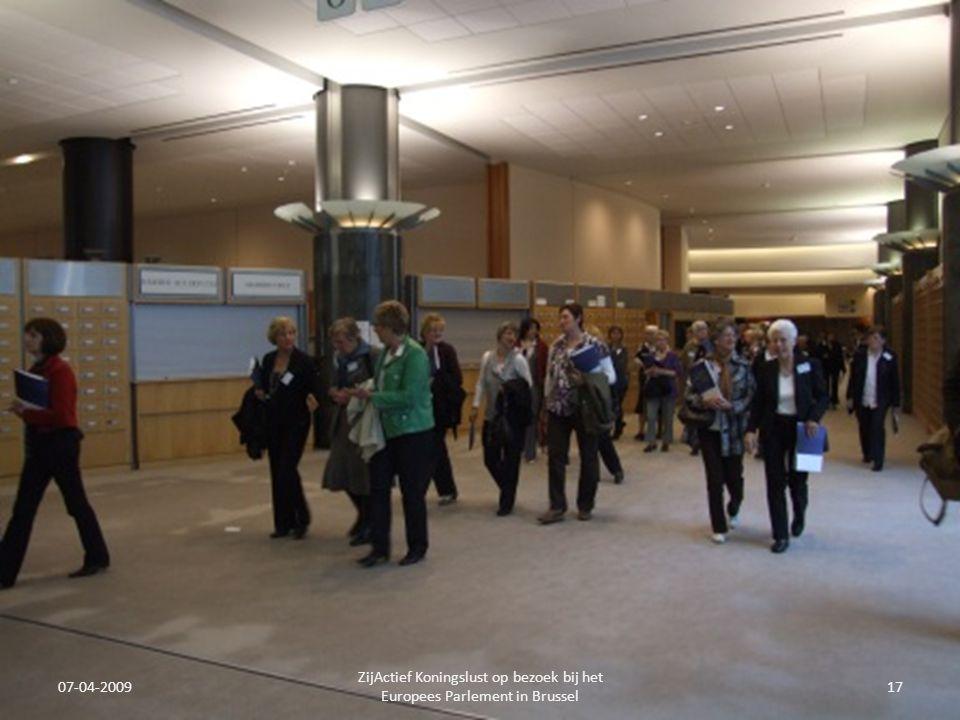 07-04-2009 ZijActief Koningslust op bezoek bij het Europees Parlement in Brussel 17