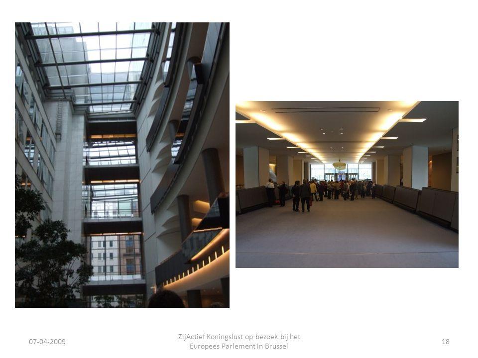07-04-2009 ZijActief Koningslust op bezoek bij het Europees Parlement in Brussel 18