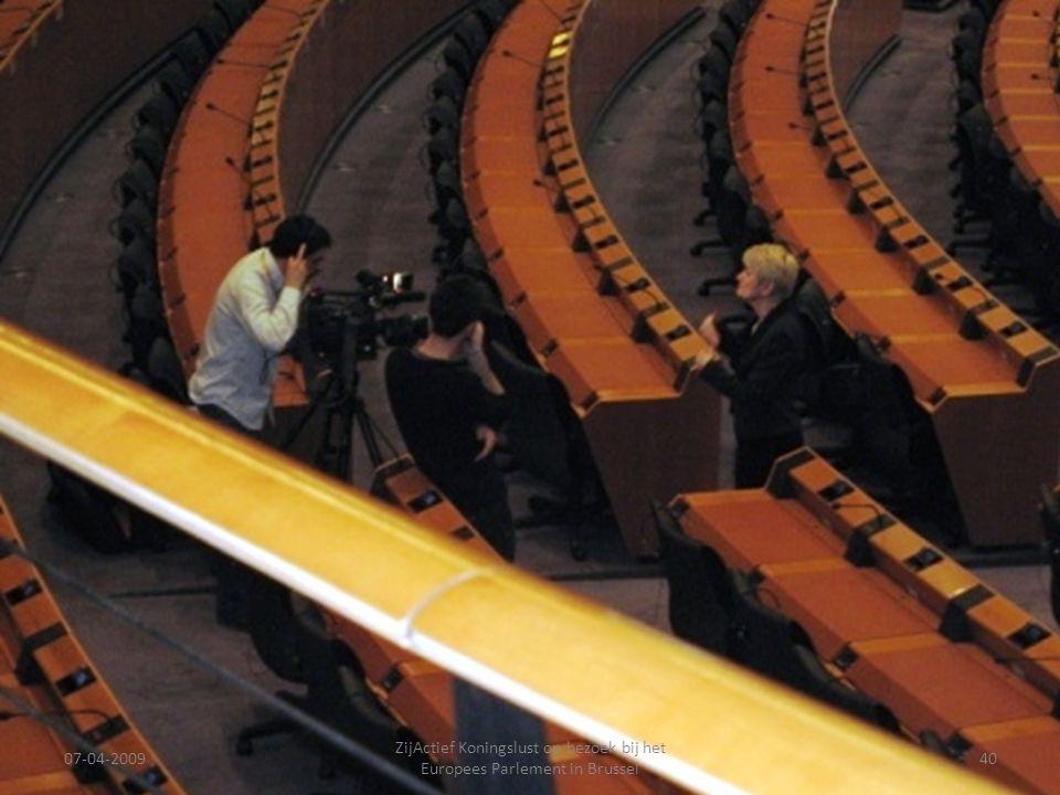 07-04-2009 ZijActief Koningslust op bezoek bij het Europees Parlement in Brussel 40