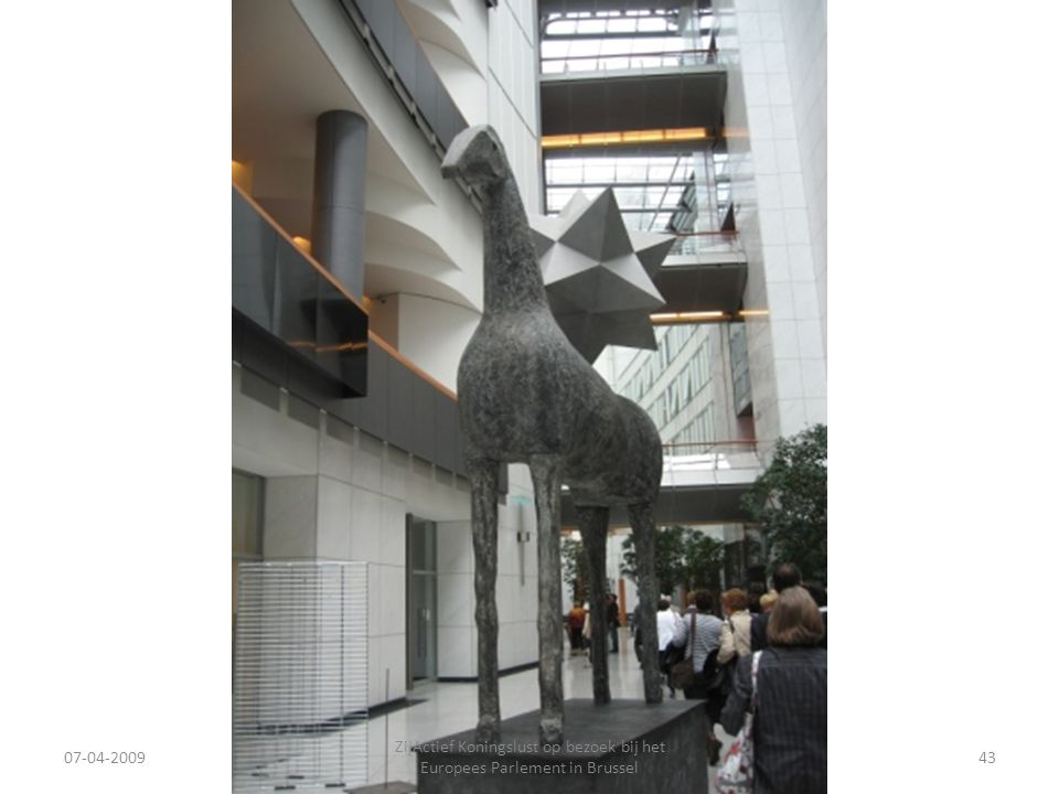 07-04-2009 ZijActief Koningslust op bezoek bij het Europees Parlement in Brussel 43