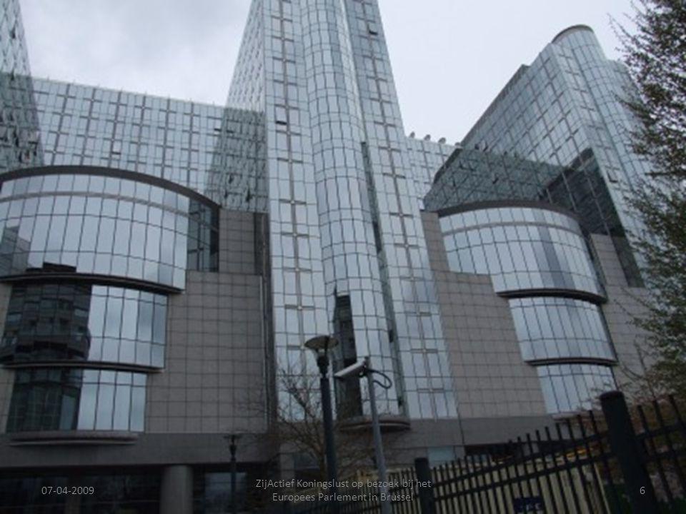 07-04-2009 ZijActief Koningslust op bezoek bij het Europees Parlement in Brussel 6