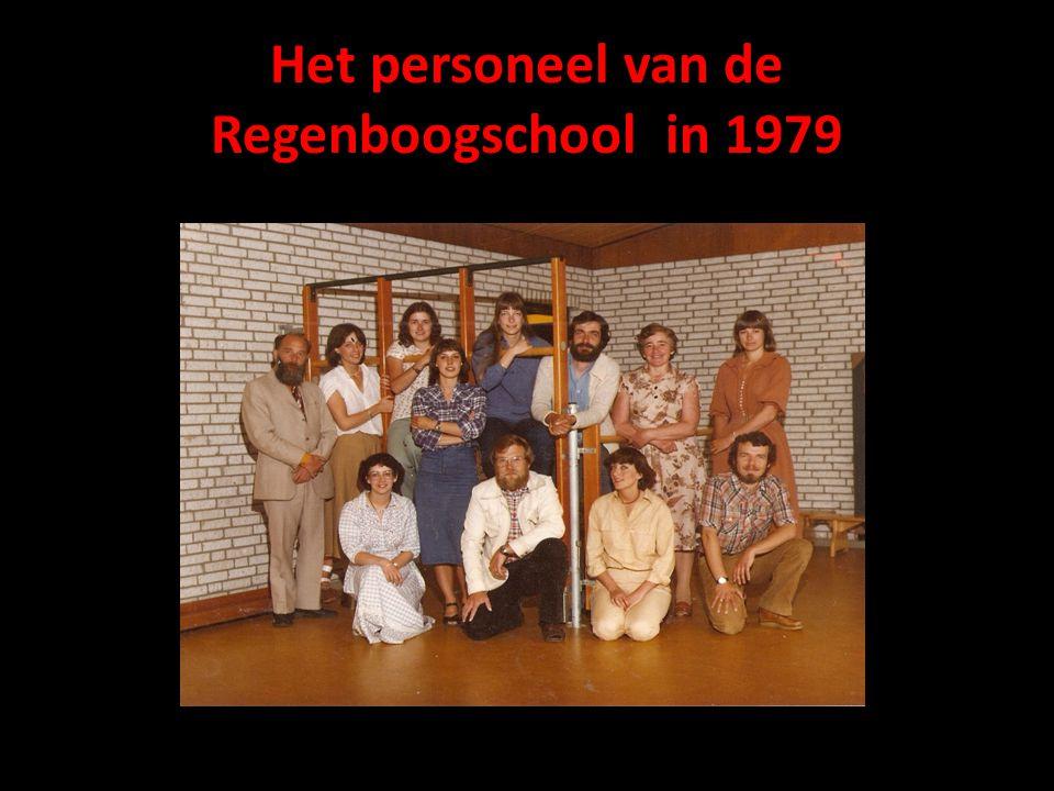 Het personeel van de Regenboogschool in 1979