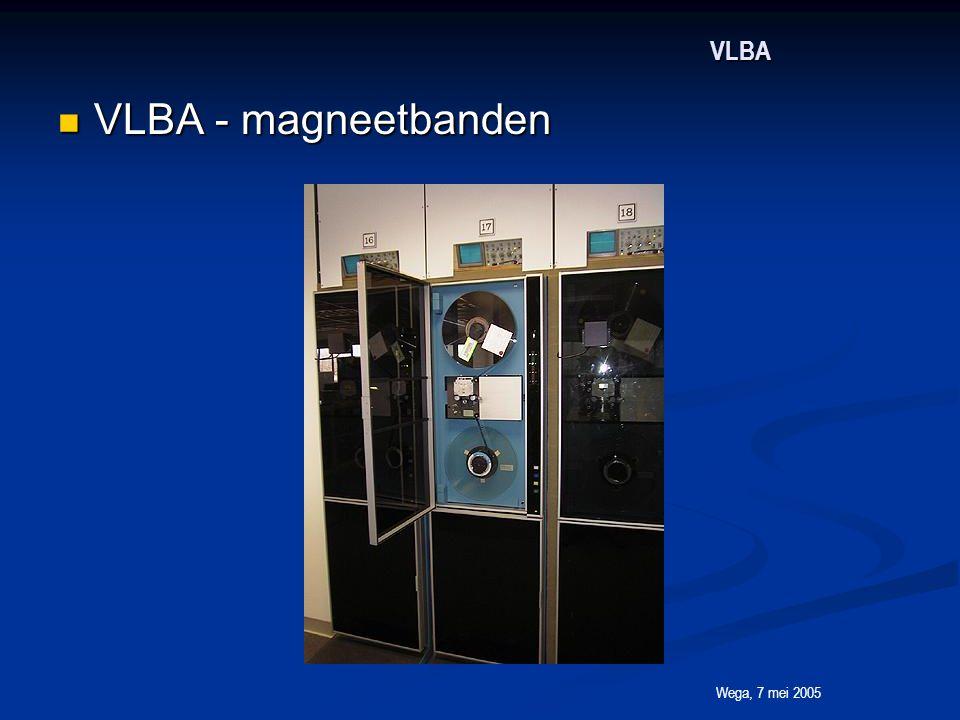 Wega, 7 mei 2005 VLBA VLBA - magneetbanden VLBA - magneetbanden
