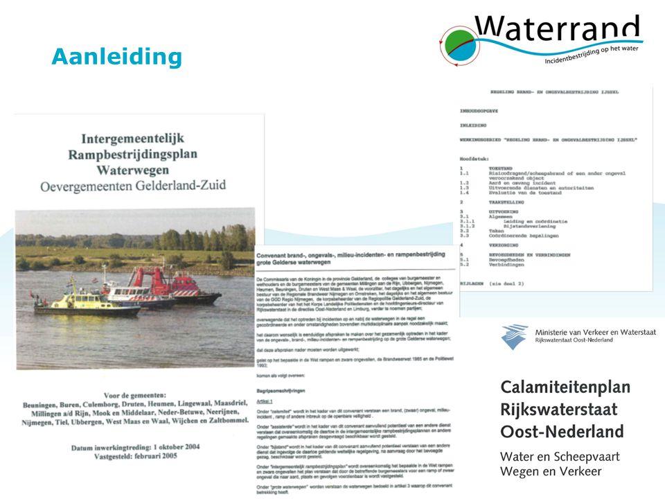 Project Waterrand 16 Deel A Coördinatieplan Randvoorwaardelijke processen  Melding en Alarmering –C-GMK / berichtencentrum  Leiding en Coördinatie –C-ROT / Actiecentrum Water  Op- en Afschaling –GRIP versus fase (RWS)  Informatiemanagement –communicatie op het water, VHF