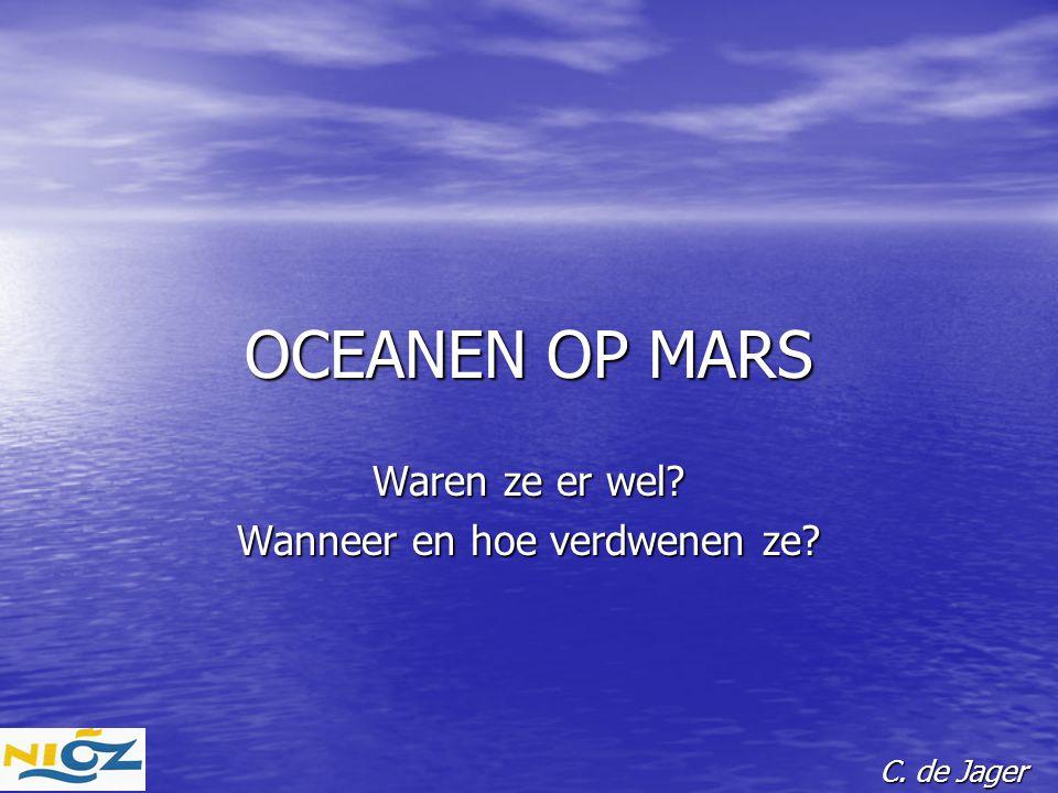 DE PLANEET MARS Afstand tot zon: 1,5 maal aardafstand, dus 2,2 maal minder bestraling Afstand tot zon: 1,5 maal aardafstand, dus 2,2 maal minder bestraling Diameter: 6800 km = 0,53 maal die van aarde Diameter: 6800 km = 0,53 maal die van aarde Massa: 0,11 maal die van aarde Massa: 0,11 maal die van aarde Ontsnappingsnelheid aan oppervlak: 5km/sec (aarde: 11,2 km/sec).
