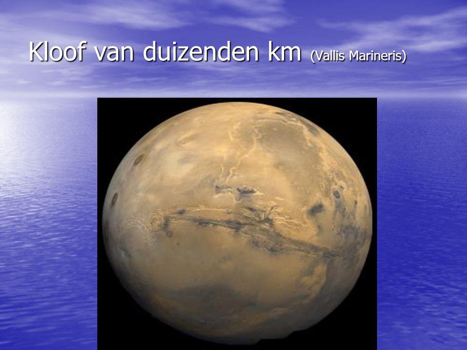 WATER OP EN IN MARS Om een graben te vormen is ondergronds water vereist.