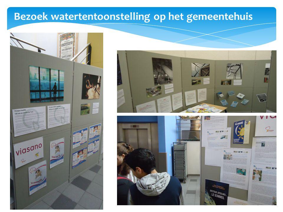 Bezoek watertentoonstelling op het gemeentehuis