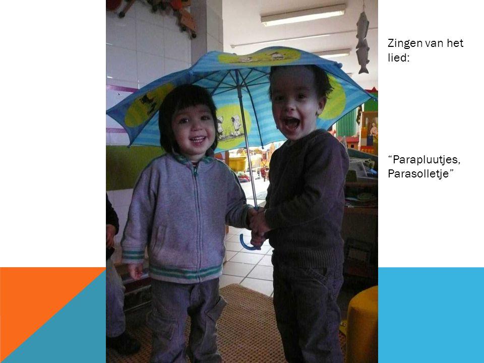 Zingen van het lied: Parapluutjes, Parasolletje