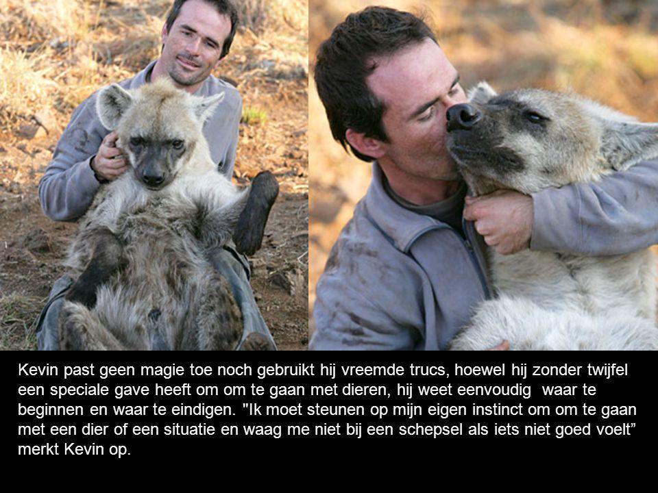 Kevin woont in een reservaat van levend wild dichtbij Johannesburg in Zuid-Afrika en geniet van een instinctieve gave, die hem toestaat zonder gevaar contacten te leggen met deze wilde dieren.