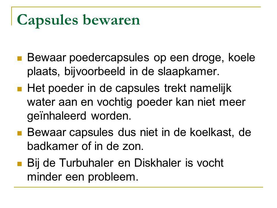 Capsules bewaren Bewaar poedercapsules op een droge, koele plaats, bijvoorbeeld in de slaapkamer. Het poeder in de capsules trekt namelijk water aan e