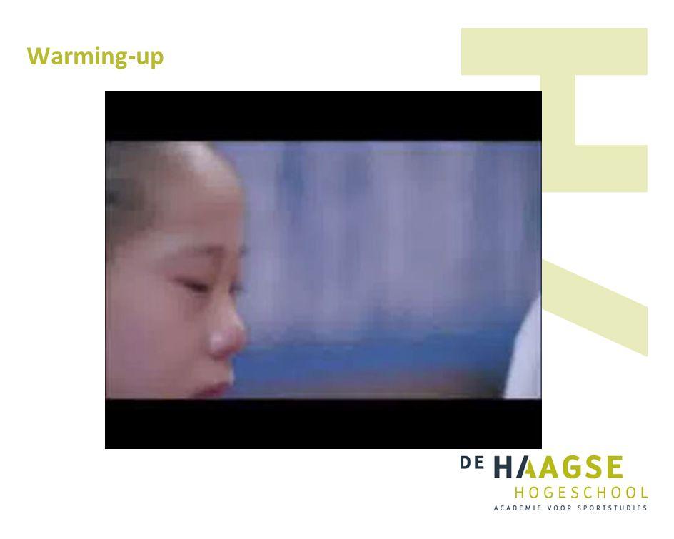 Training Wet vd reversibiliteit: trainingswinst bij goed getrainde kinderen na 3 mnd 50%, bij slecht getrainde kinderen 0% na 8 wkn Wet vd optimale belasting: vermijdt overbelasting door goed in kaart brengen van huidige niveau van fitheid, trainingsgeschiedenis en mogelijke beperkingen Wet vd verminderde meeropbrengst: kinderen blijven groeien en beter presteren.