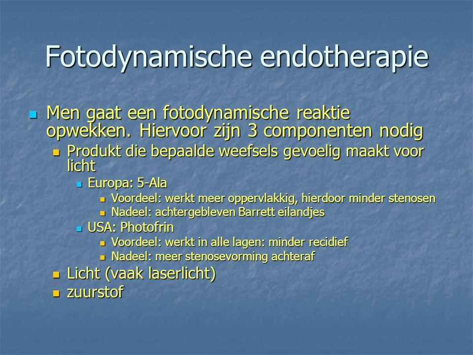 Fotodynamische endotherapie Men gaat een fotodynamische reaktie opwekken. Hiervoor zijn 3 componenten nodig Men gaat een fotodynamische reaktie opwekk