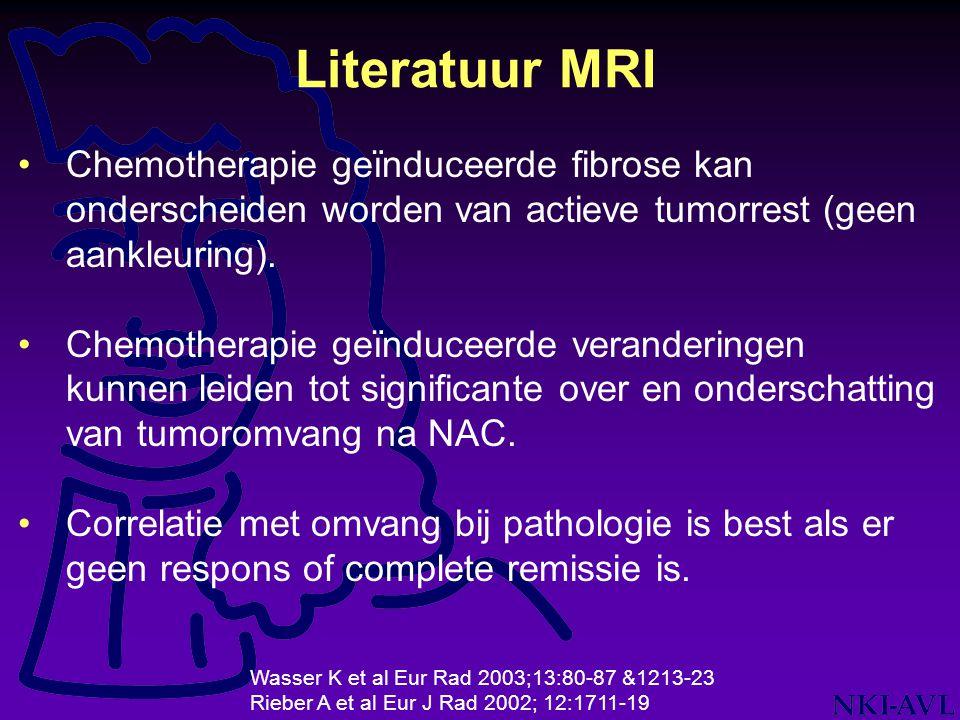 Chemotherapie geïnduceerde fibrose kan onderscheiden worden van actieve tumorrest (geen aankleuring). Chemotherapie geïnduceerde veranderingen kunnen