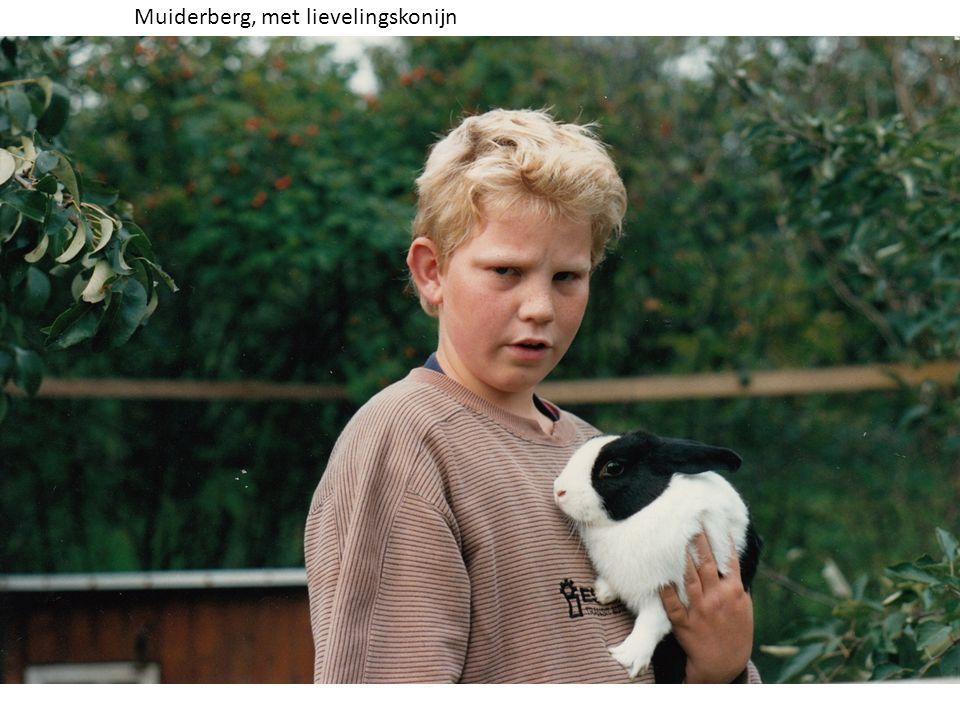 Muiderberg, met lievelingskonijn
